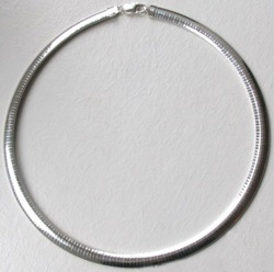 Silver Omega Necklace - Boothandbooth.co.uk